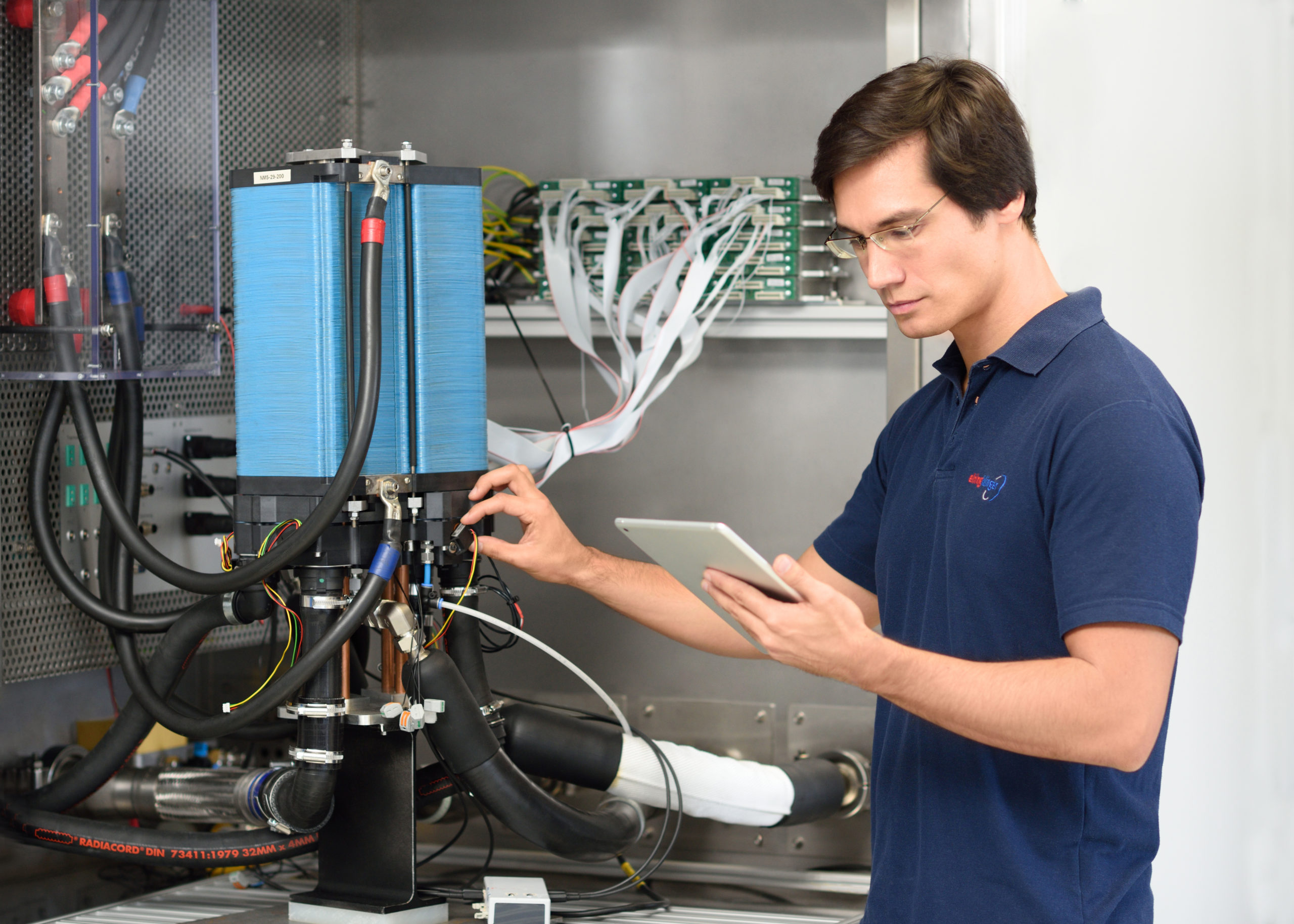 ElringKlinger hydrogen fuel cells to be used in zepp.solutions hydrogen fuel cell system