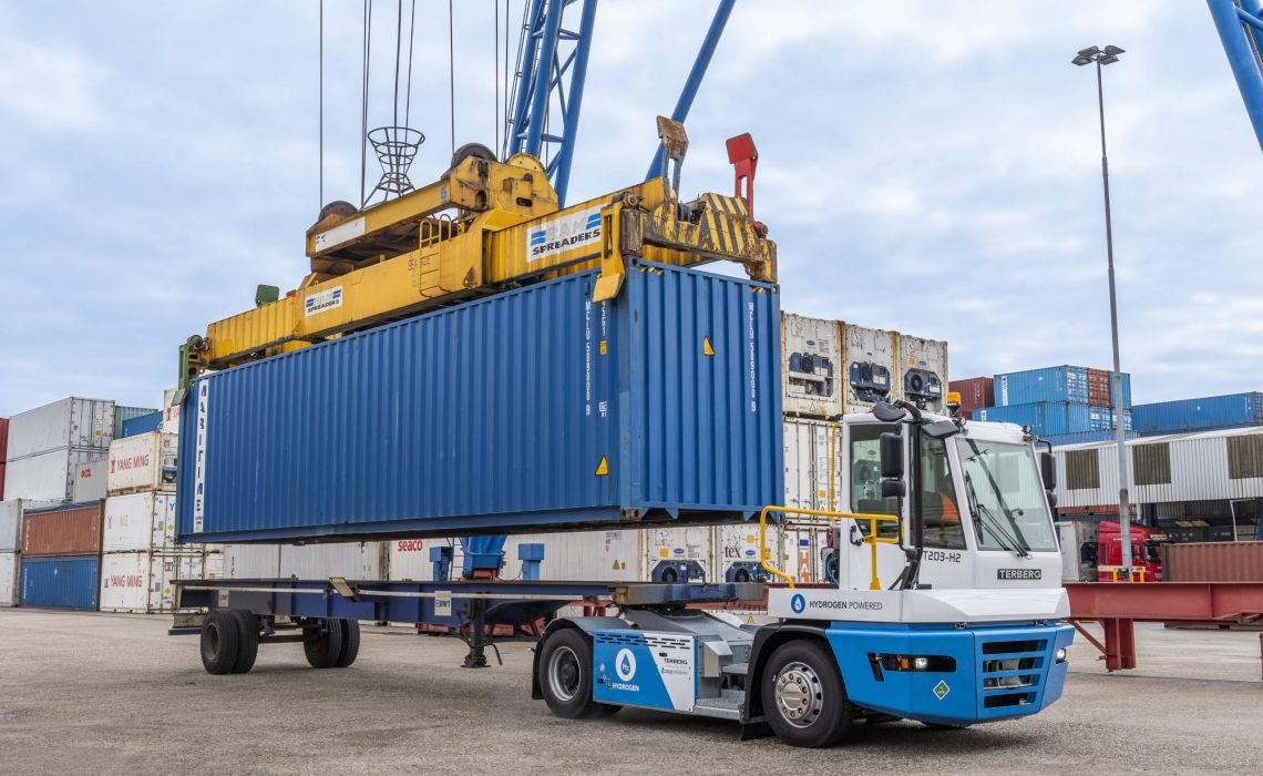 Testing of Terberg Hydrogen Tractor YT203-H2 at United Waalhaven Terminal in Port of Rotterdam.